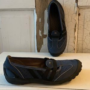 Privo Gray leather  flats Size 9.5